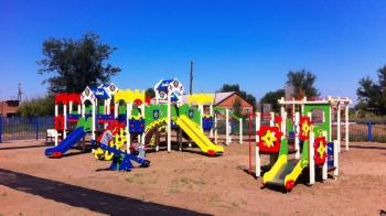 Детская площадка в Новозахаркино